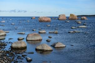 Lastele meeldib kive merre loopida