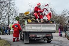 Loomadele jõulukinke viimas_7